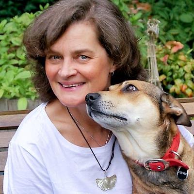Photo of Catherine Hamilton, artist and Peninsula Arts tutor
