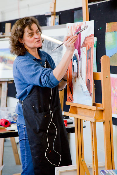 PAS tutor Catherine Hamilton demonstrating mixed media techniques at an easel